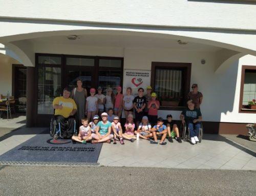 Obisk otrok iz društva Pisani Mehurčki