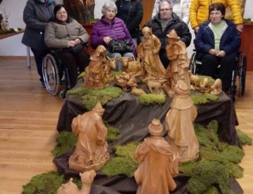 Ogled razstave božičnih jaslic in razstave Medenih hišk