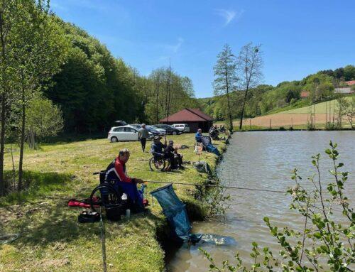 Pričetek društvene ribolovne sezone v Smolincih